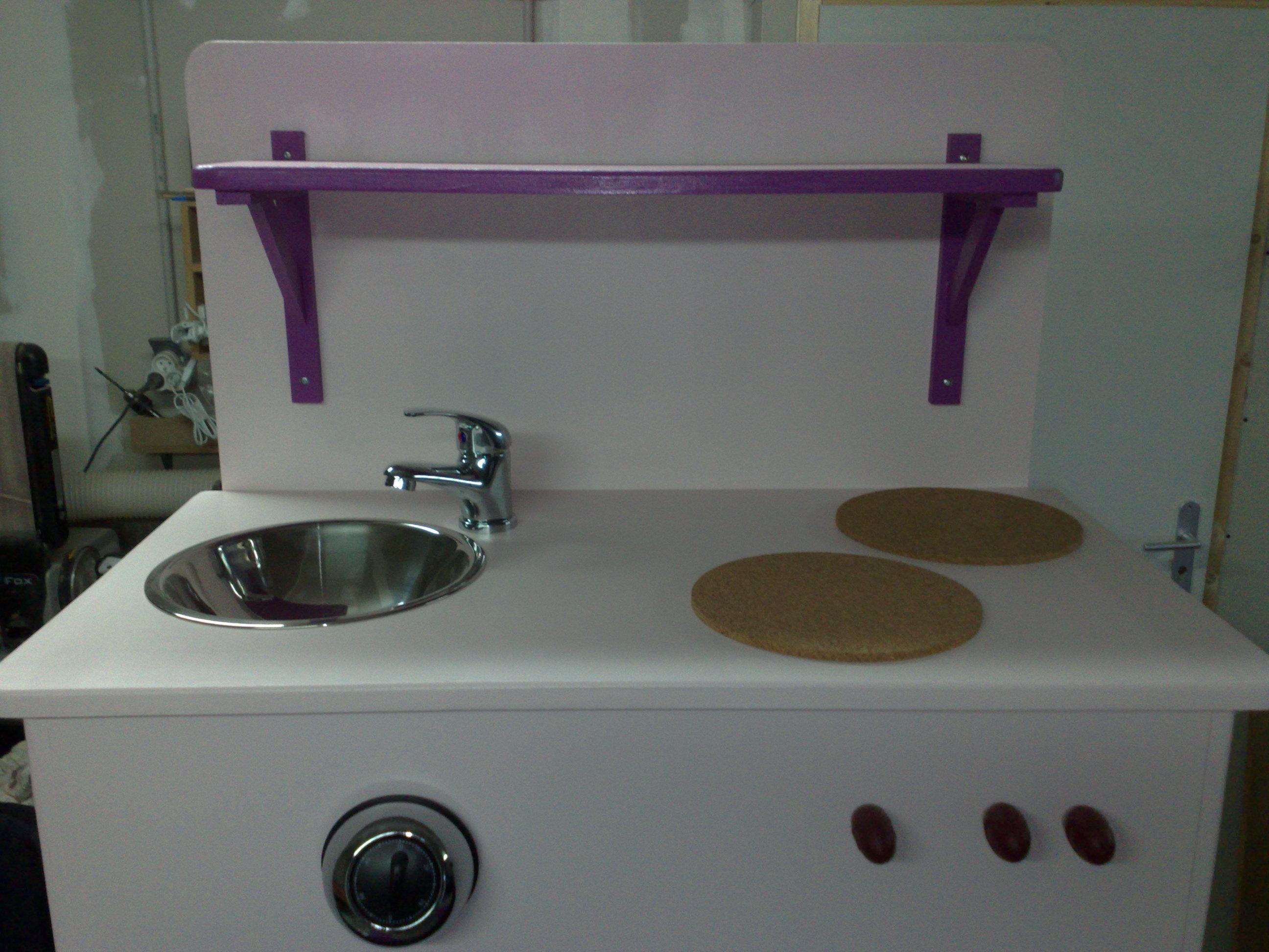 Cuisini re pour enfant for Fabriquer cuisine enfant
